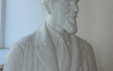 The bust of A. Žmuidzinavičius  done by Robertas Antinis (father) in 1945.